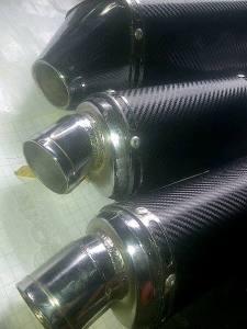 Knalpot berperan penting dalam melepas panas hasil dari ledakan kompresi. 30% pentingnya dalam mesin performa tinggi